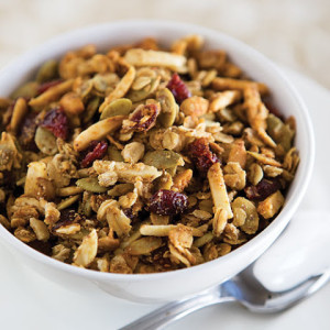 HEALTHY GRANOLA (WITH SUNFLOWER SEEDS AND RAISINS)